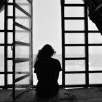 孤独を克服する方法